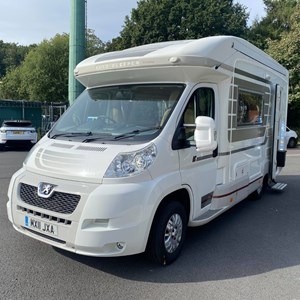 Auto-Sleepers Broadway EK TB LP - 2.2 HDi Chassis Cab 100ps